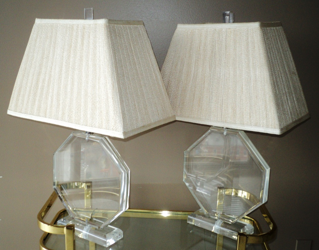 Pair Of Sculptural Lucite Table Lamps Julesmoderne Com